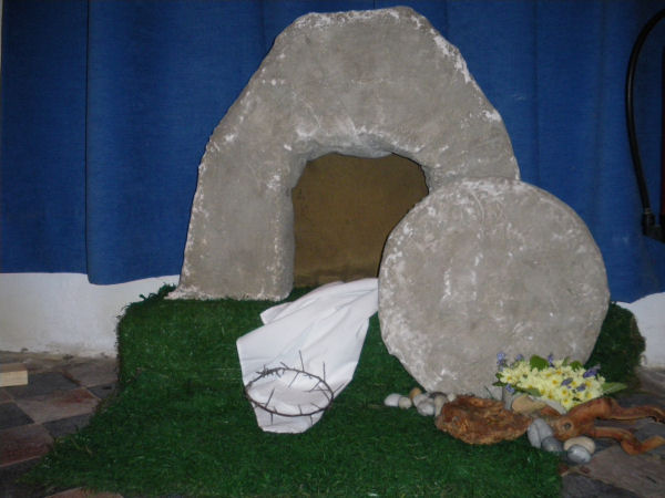 Easter Decoration The Empty Tomb Northwood Village Isle Of Wight