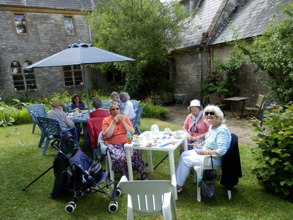 Carisbrooke Priory Tea 20140627 (4)