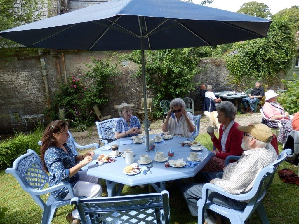 Carisbrooke Priory Tea 20140627 (5)