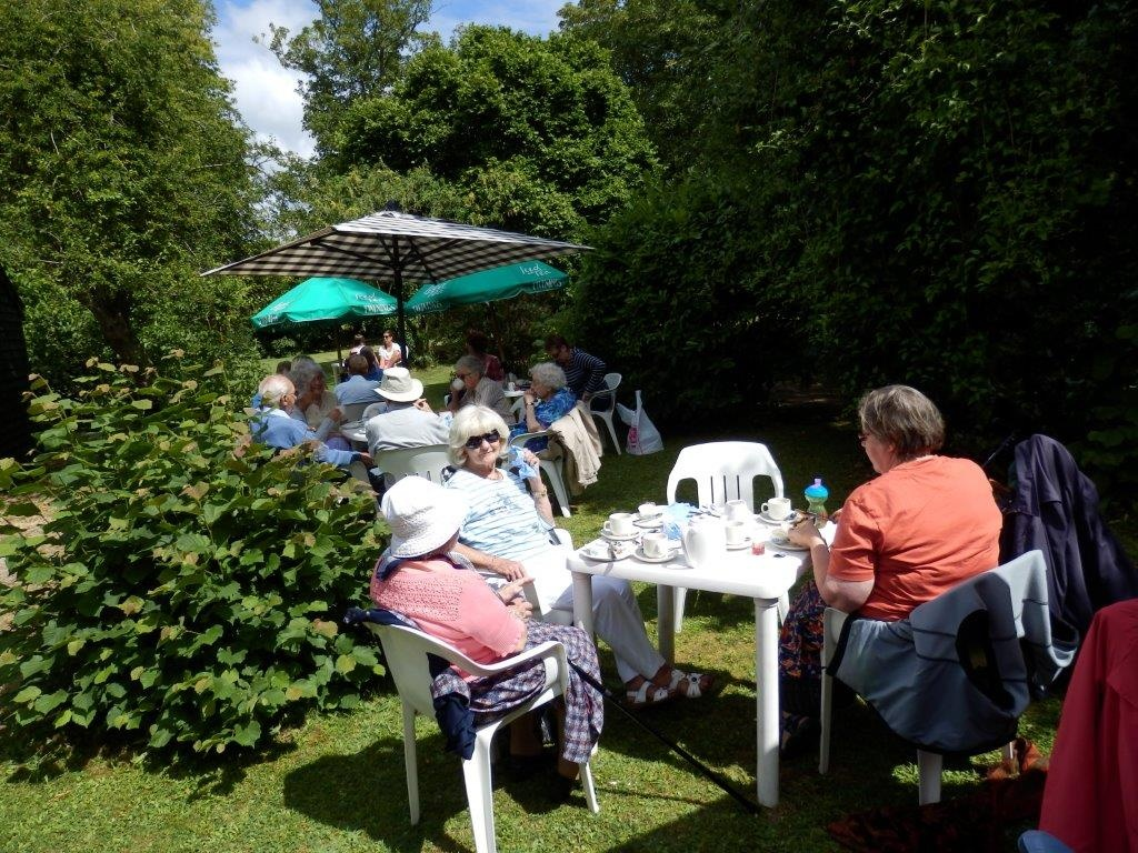 Carisbrooke Priory Tea 20140627 (8)